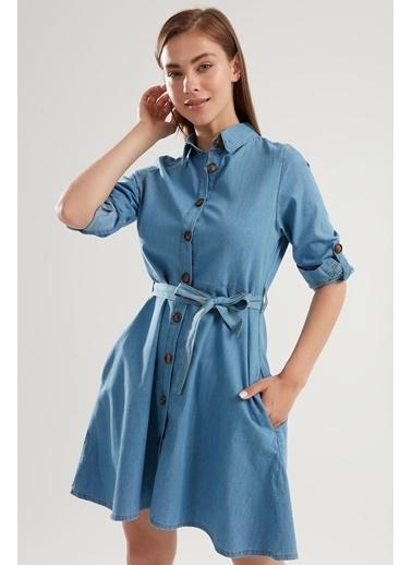 Pattaya Pattaya Kadın Kuşaklı Düğmeli Katlanabilir Kollu Kot Elbise PTTY20S-9924 Mavi